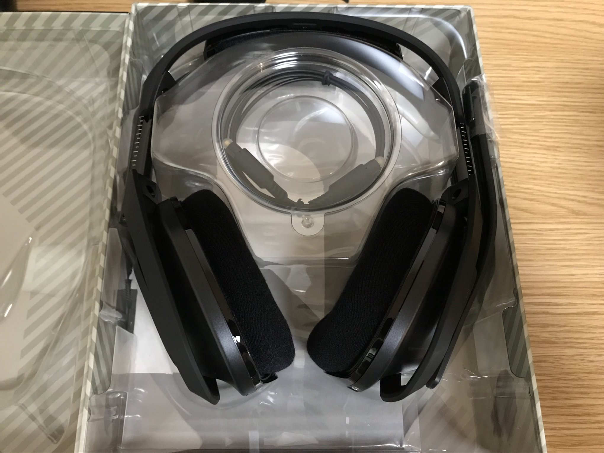 ASTRO A50 WIRELESS + BASE STATION開封