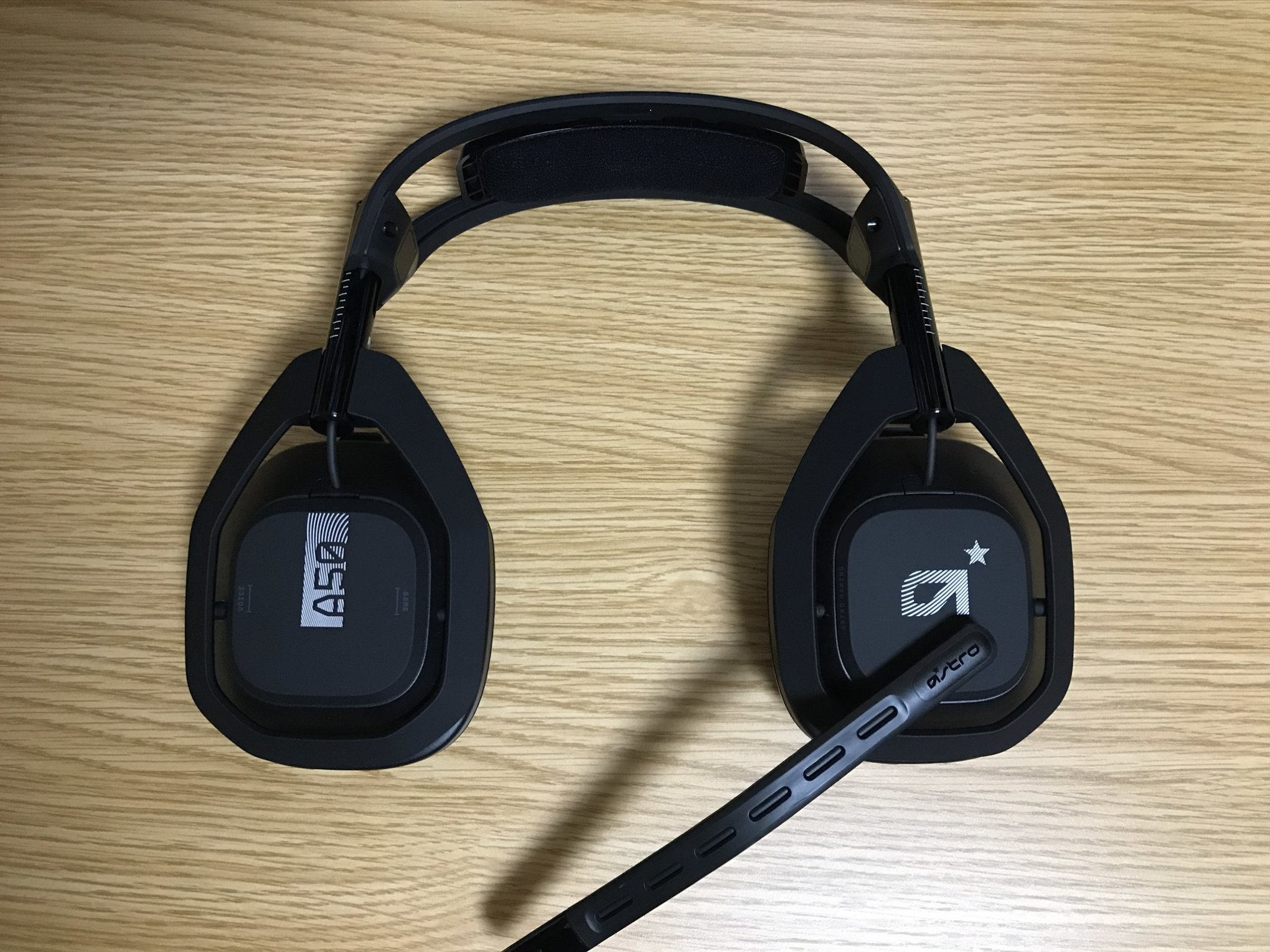ASTRO A50 WIRELESS + BASE STATIONイヤーパッド90°