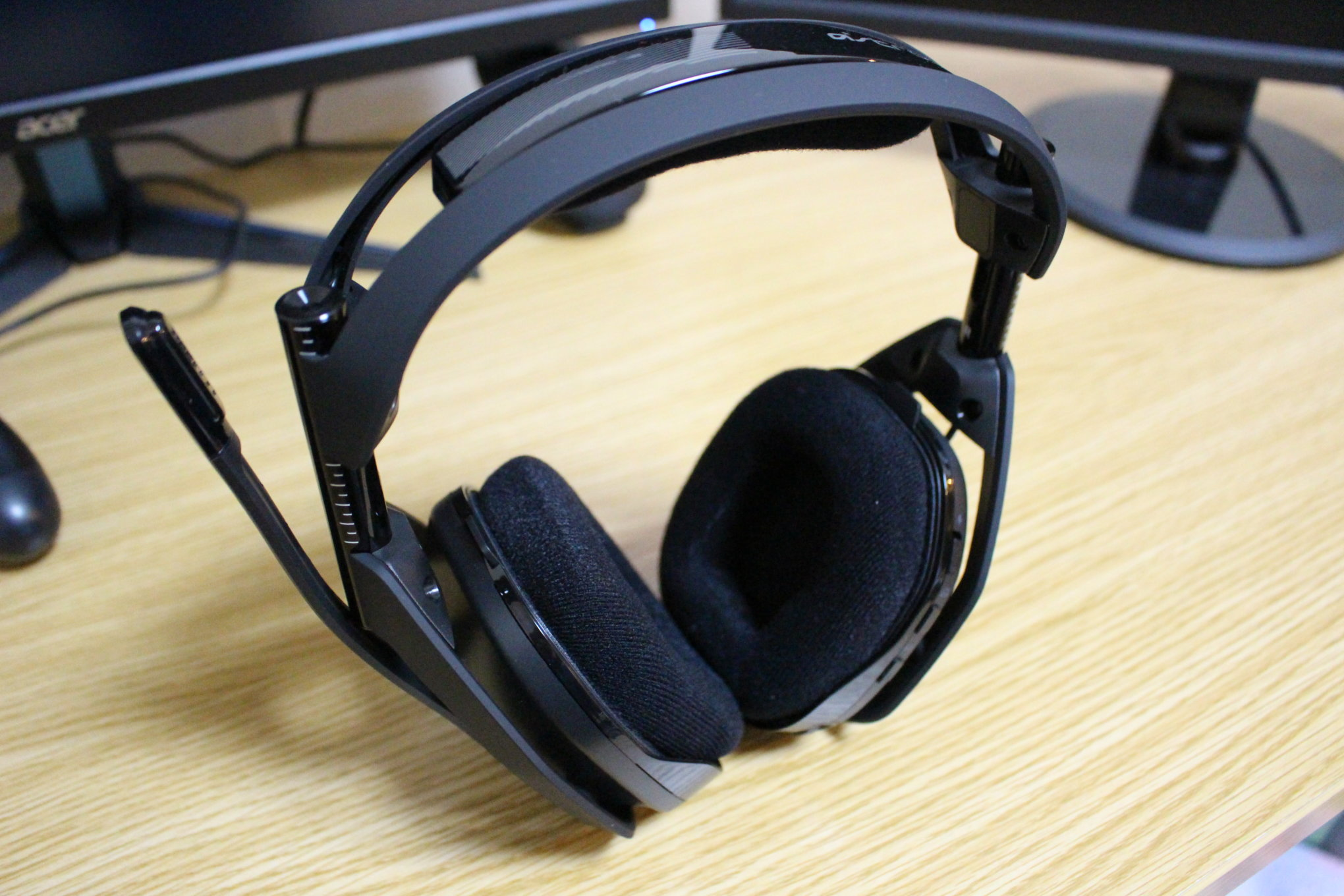 ASTRO A50 WIRELESS + BASE STATIONヘッドセット本体