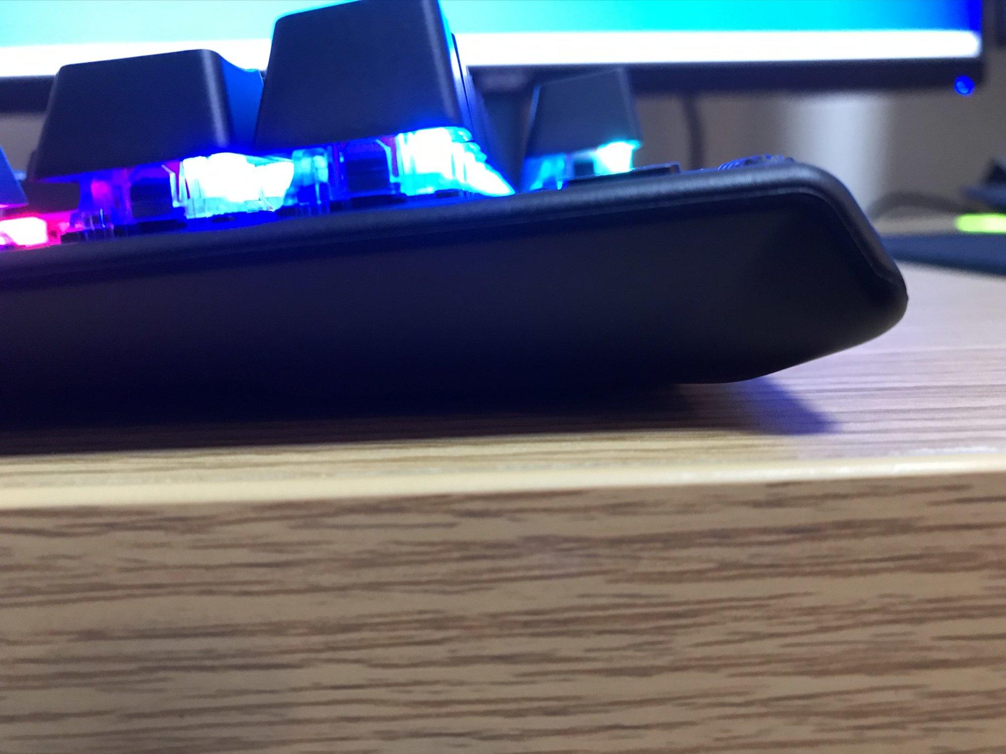 Apex Pro TKL足折り畳み横から